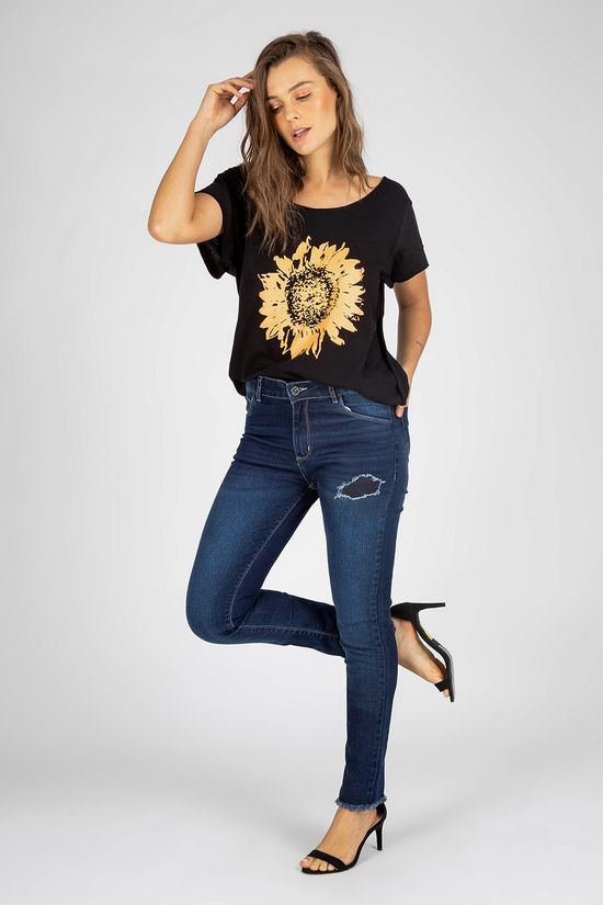 t-shirt-preta-com-estampa-77261