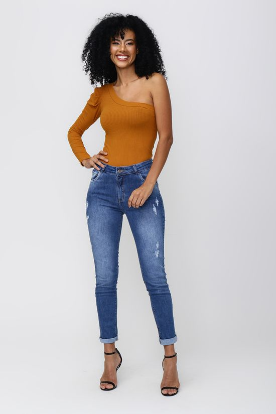 blusa-ombro-unico-e-calca-jeans-77593-83609