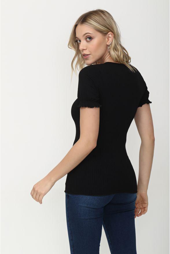 blusa-tshirt-com-lacinho